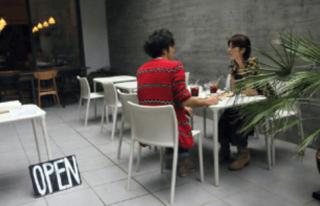 田中麗奈と高橋一生のカフェデート